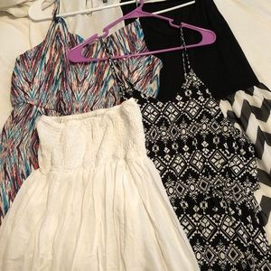 4 dresses- ALL SIZE XL BESIDE THE WHITE DRESS !!!!